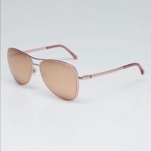 💖$575. Chanel 18KT. Rose Gold Mirror Rare Pilot!